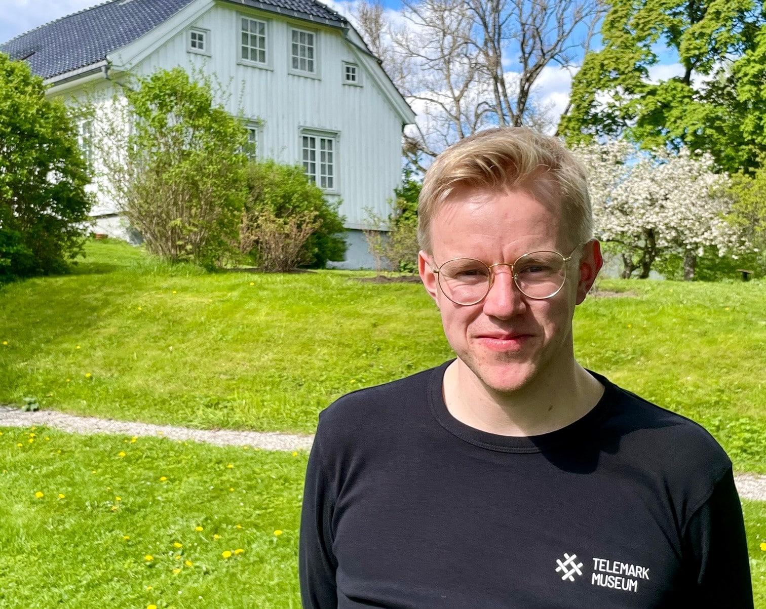 LitteraTur i Ibsens hage