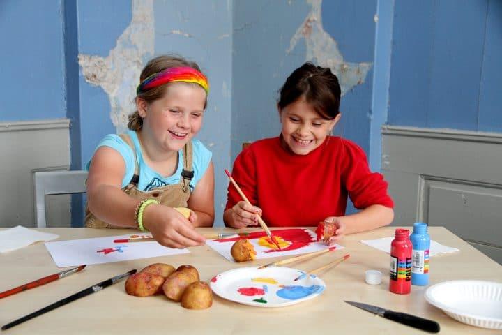 Ta med barna på potettrykk lørdag 23. oktober