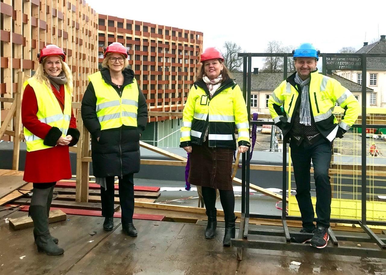 Befaring under byggeprosessen, nytt museumsbygg i Brekkeparken.