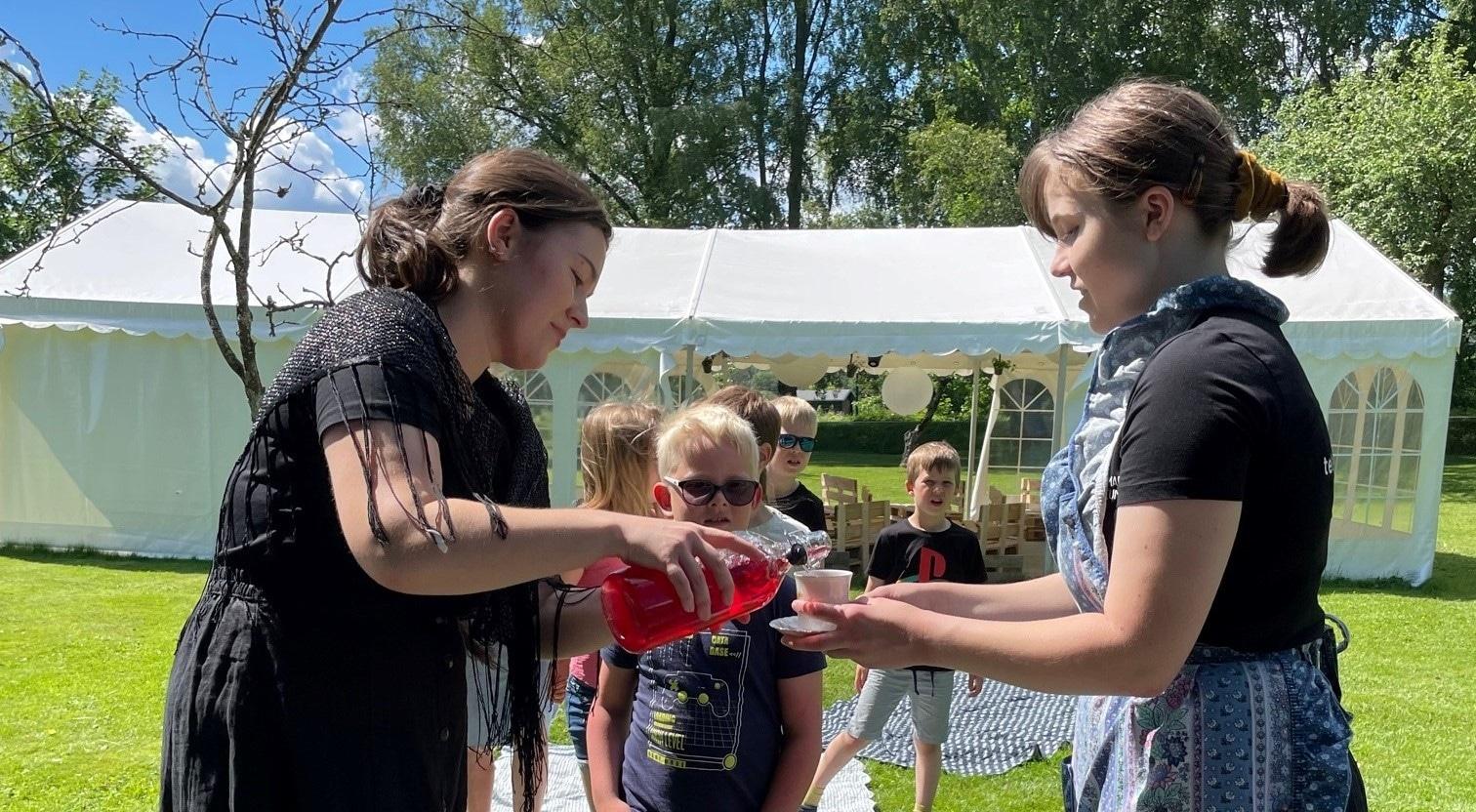 Henrik og Hedvigs hageselskap på Venstøp